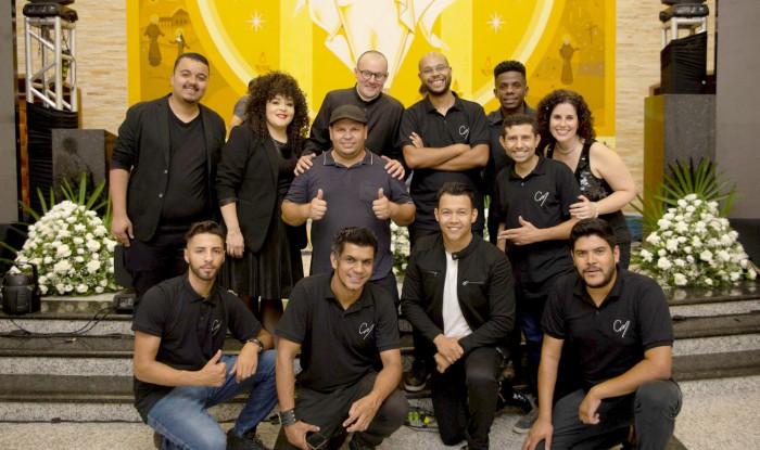 Christian Moraes e integrantes da Banda