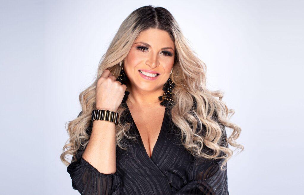 Adryana Ribeiro - Programa Revelações