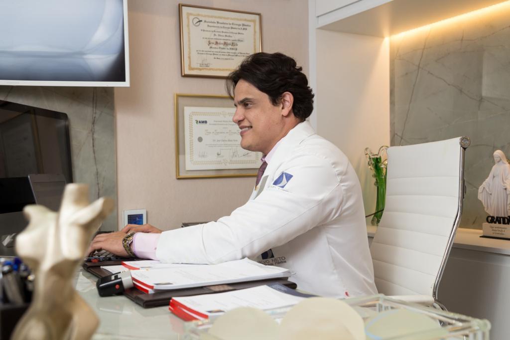 Harmonização facial pelo cirurgião Dr Dalvo Neto