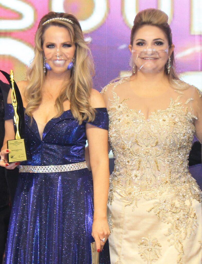 Atriz Mariza Marchetti e Tatiane Berlitz - Organizadora da Premiação - Fotos: Renato Cipriano / Divulgação